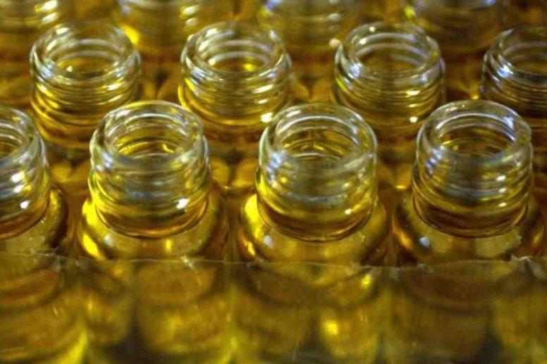 Comment mélanger huile végétale et huile essentielle ?